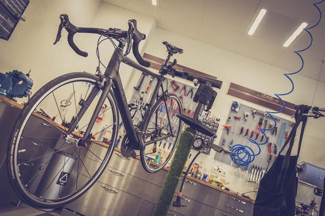 démonter le vélo à repeindre